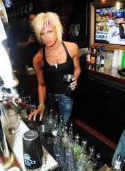 jes rickleff bartending in chicago